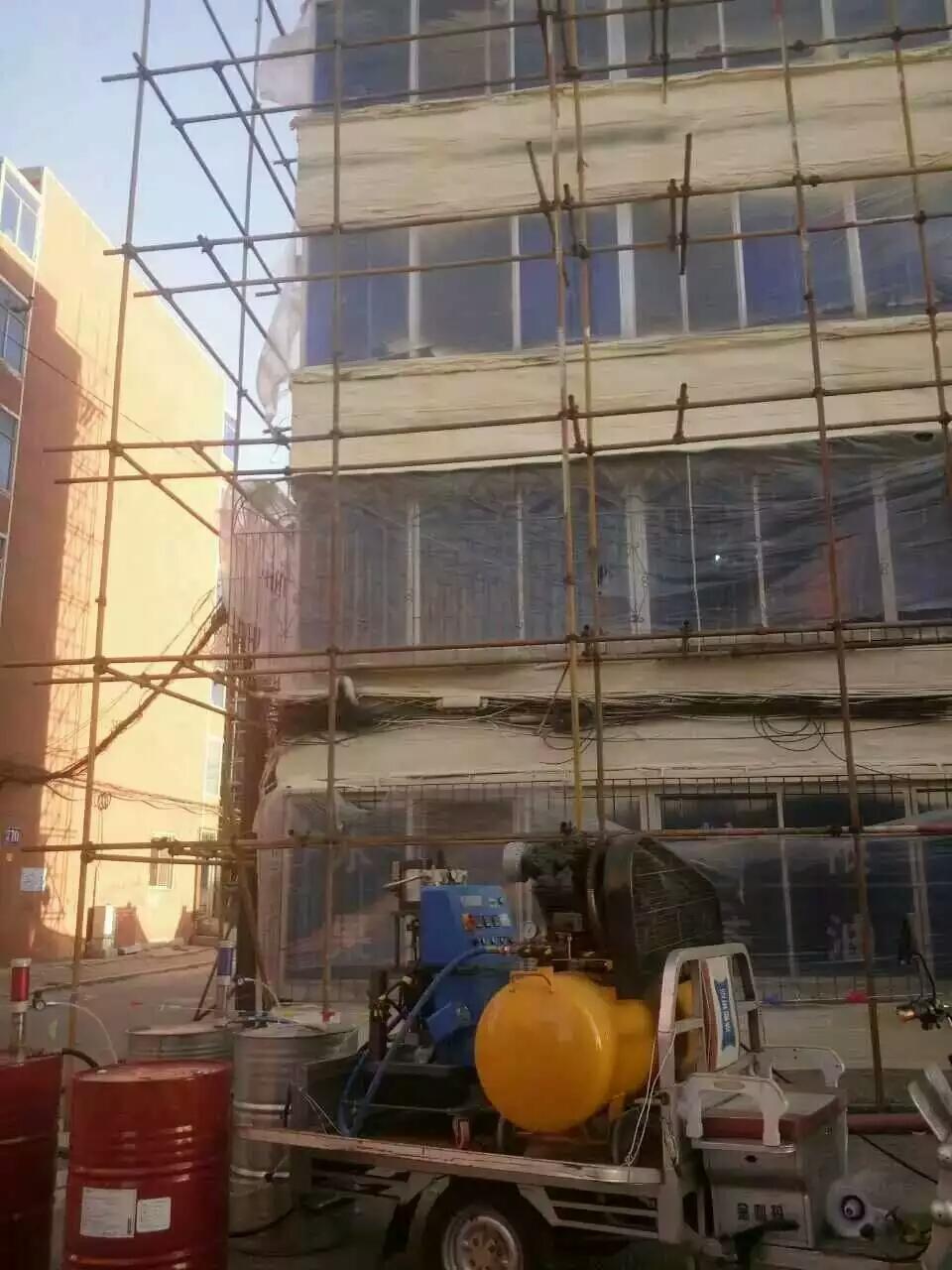 广东地区外墙保温小型聚氨酯发泡机施工